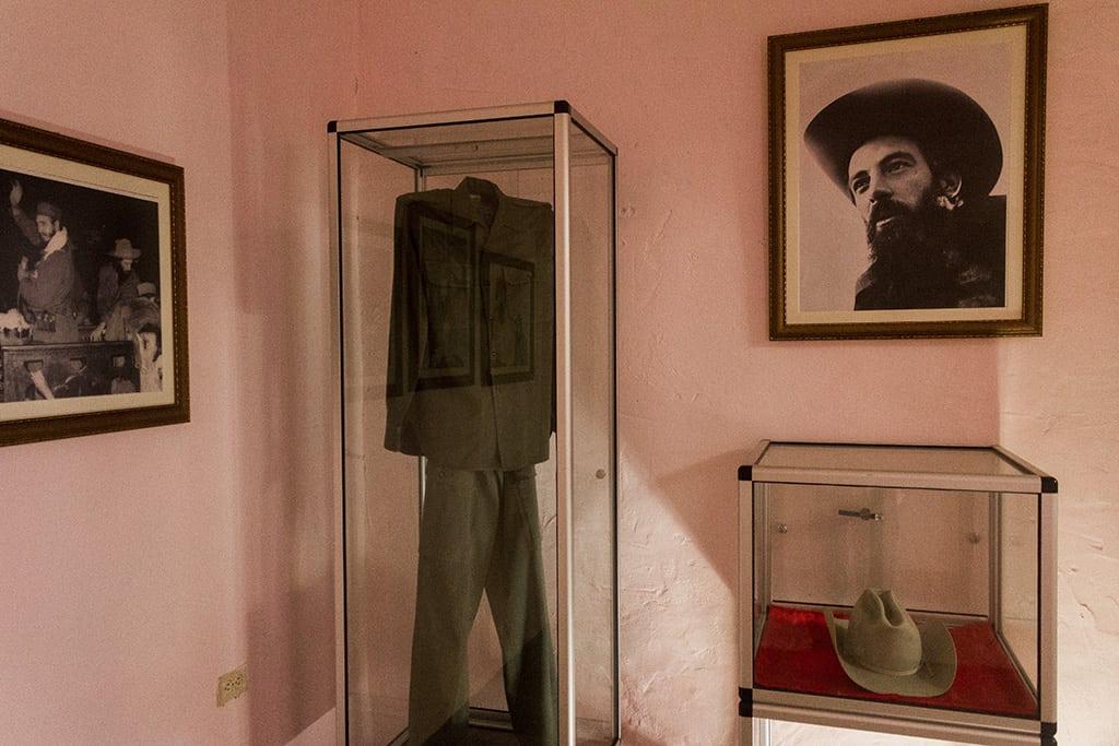 """Camilo Cienfuegos, un """"héroe"""" cubano tirado al olvido hasta en su propio museo"""