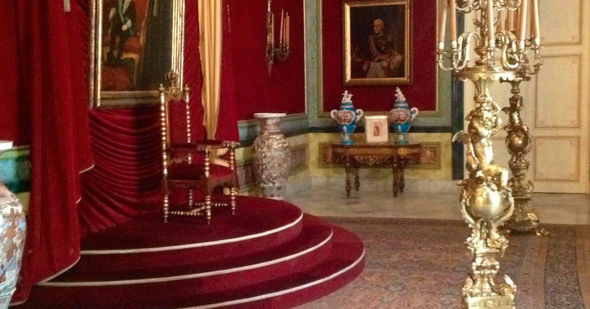 La curiosa historia del trono desocupado en el Palacio de los Capitanes Generales en La Habana