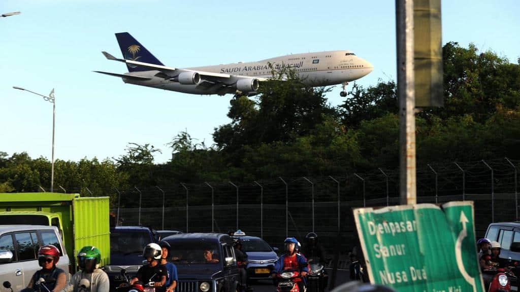 Una mujer olvidó a su bebé en el aeropuerto y el avión tuvo que regresar en pleno vuelo