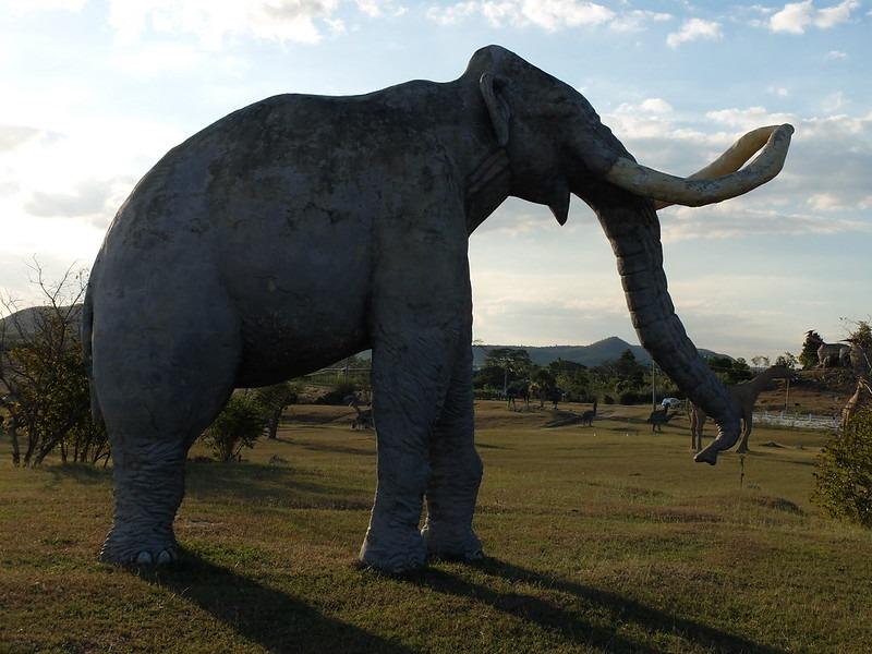 Mamut en el parque