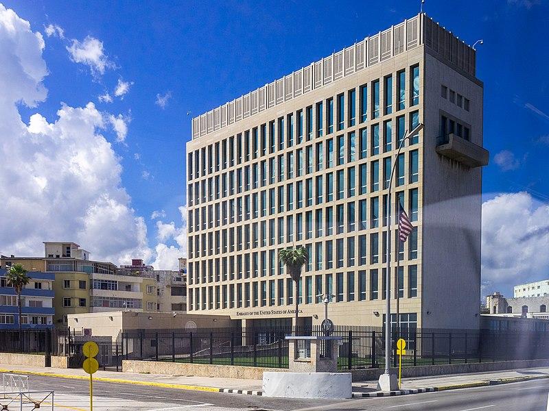 Embajada de los EE.UU. en El Vedado.