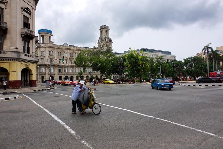 Avenida del Puerto de La Habana