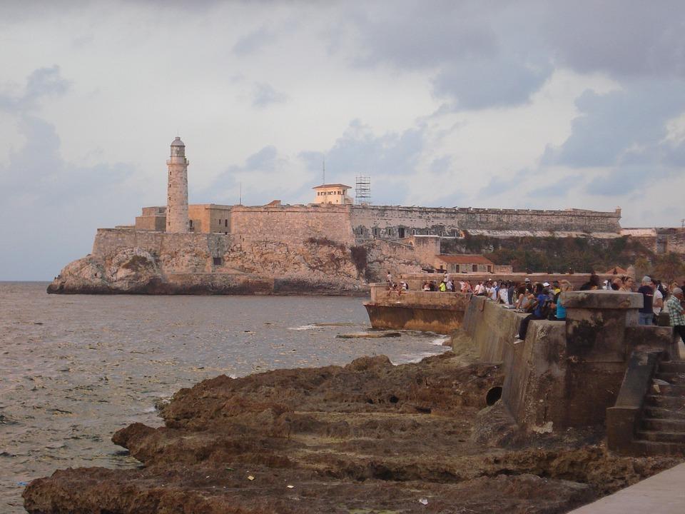 Soy cubano hasta que se seque el Malecón