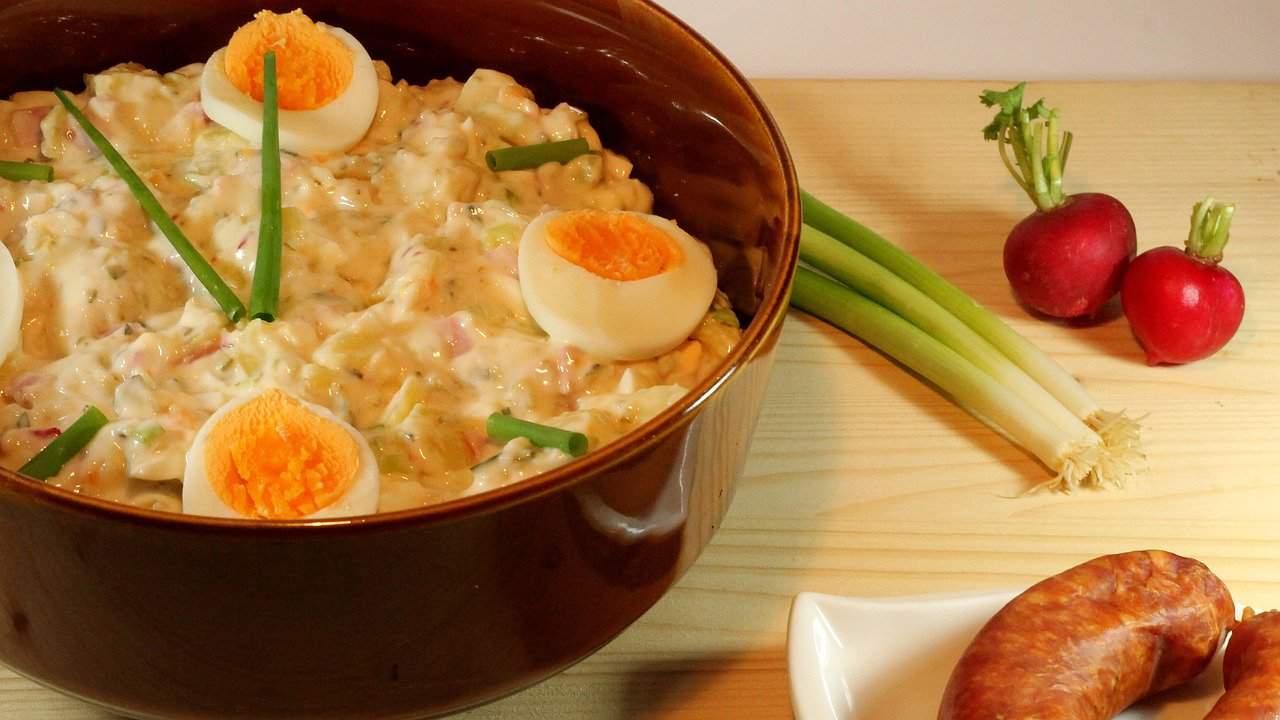 Ensalada de papas y huevo