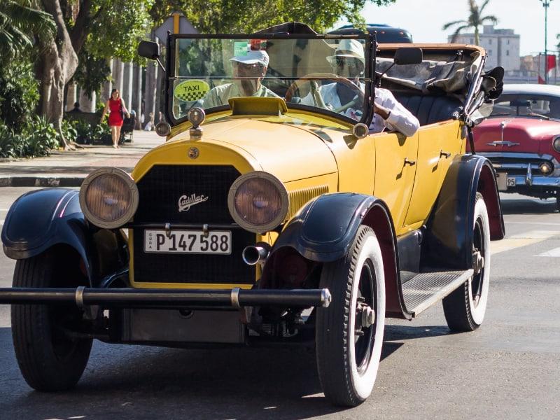 A los autos antiguos se les dice fotingos