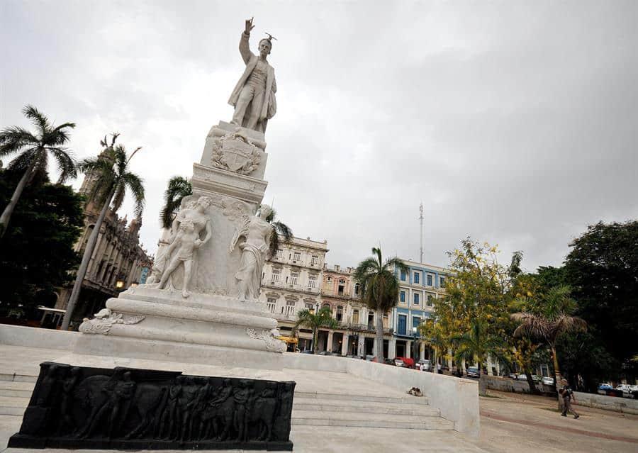 La vandalización de estatuas de José Martí desata la indignación en Cuba.