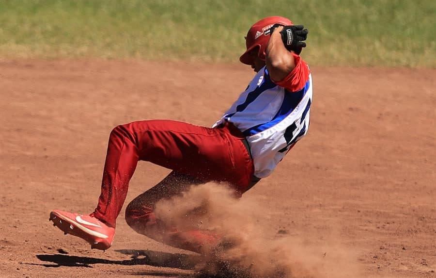 Cuba derrota a Argentina 10-0 en el Panamericano de Béisbol