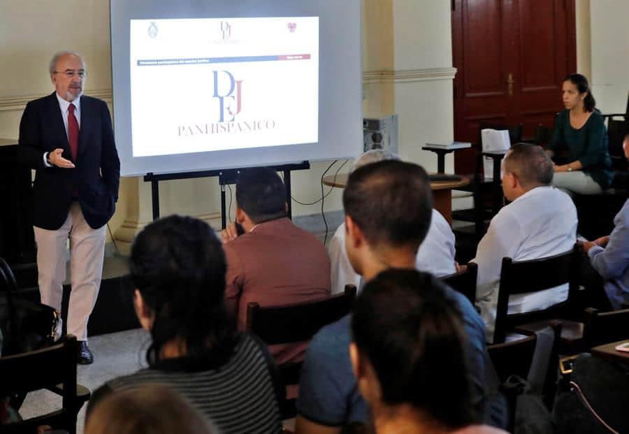 director de la RAE aboga en Cuba por mantener la unidad del idioma español