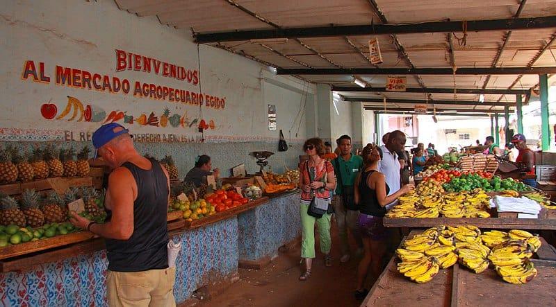 Cuba prioriza y raciona los alimentos ante la pandemia del coronavirus