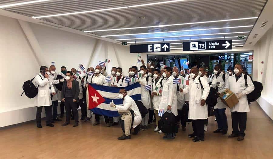 médicos cubanos cotizan al alza en la crisis del COVID-19