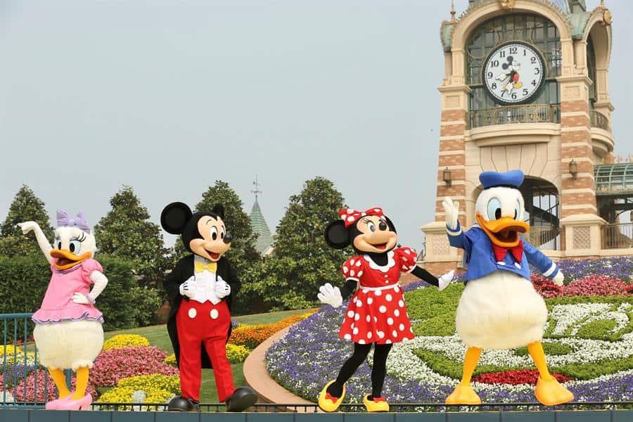 Abre Disneyland Shanghái, el primer parque del mundo de este tipo en hacerlo