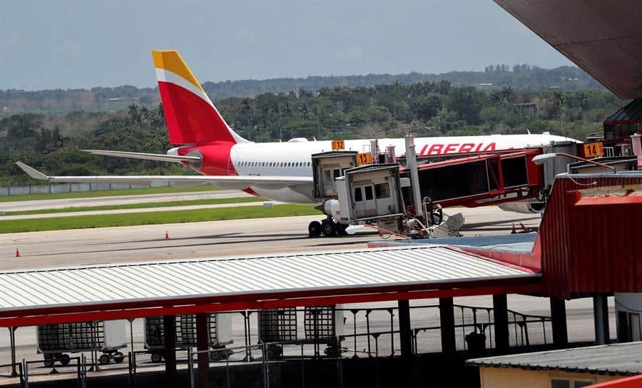 Turistas españoles varados en cuba regresan en un último vuelo
