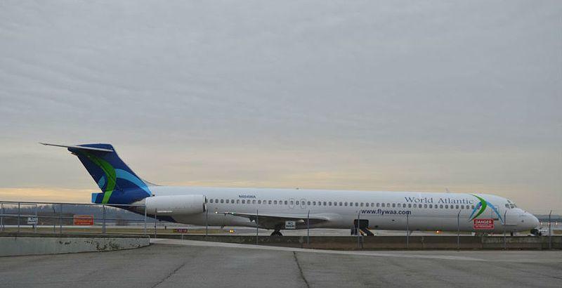 Cuba recibe vuelo con 140 cubanos varados en EE.UU. por el COVID-19