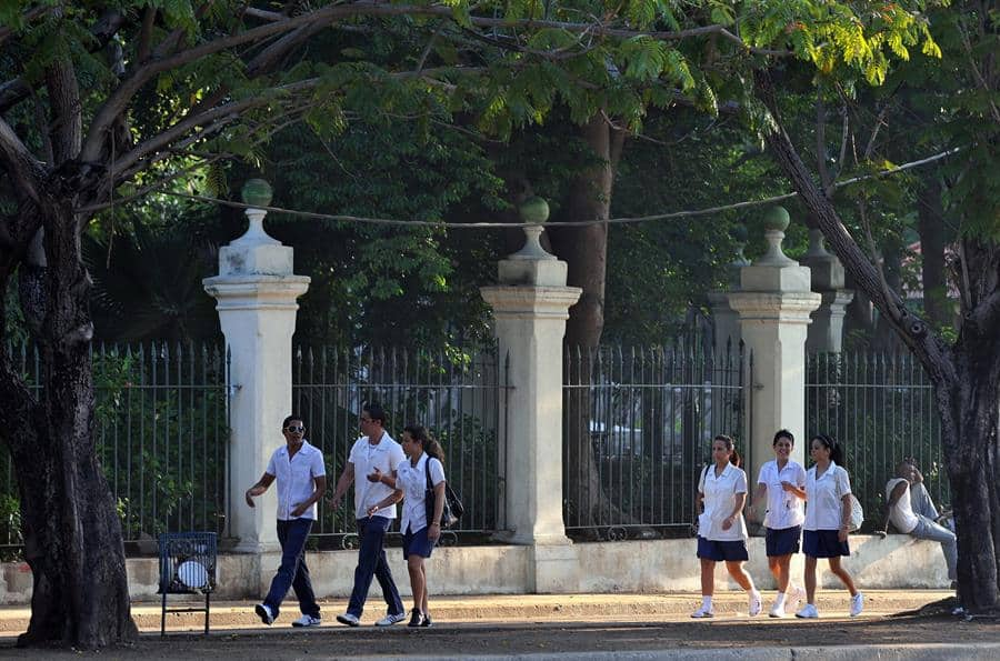 Cuba prevé reiniciar en septiembre el curso escolar