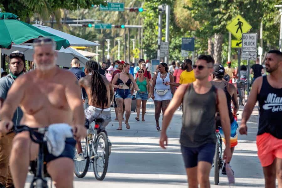 Repunte de la COVID-19 en Florida rompe marcas