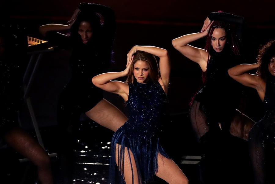 Shakira y Miley Cyrus, en concierto por la vacuna para la COVID-19