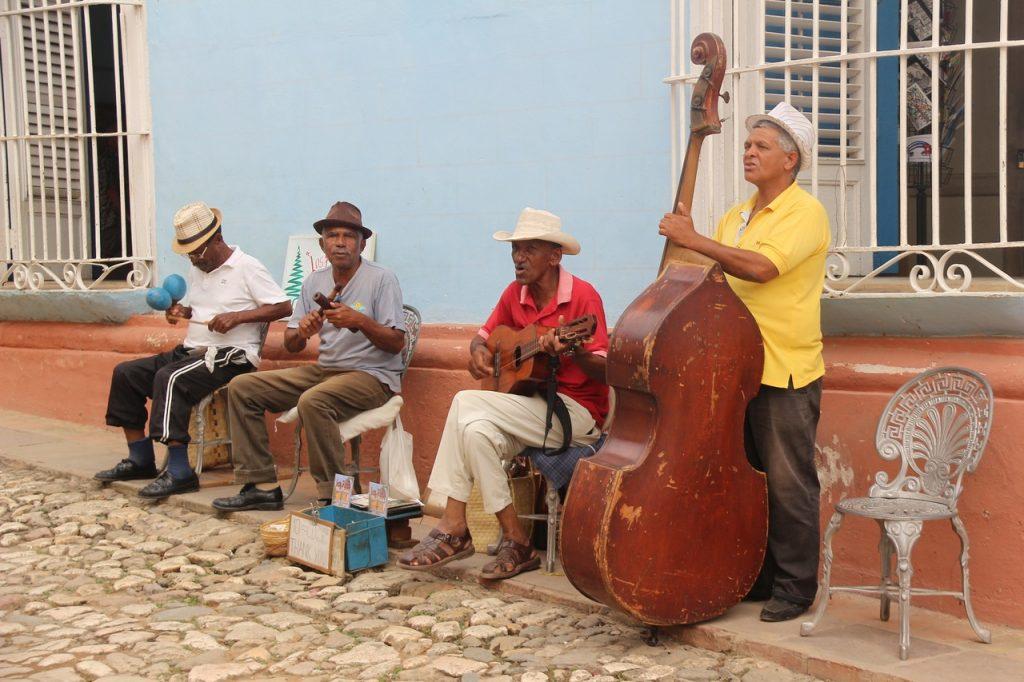 Ritmos musicales en las calles de Cuba