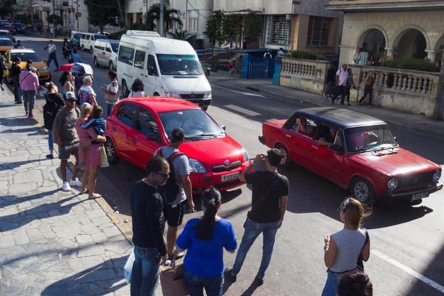 Cuba elimina lista de actividades permitidas al sector privado