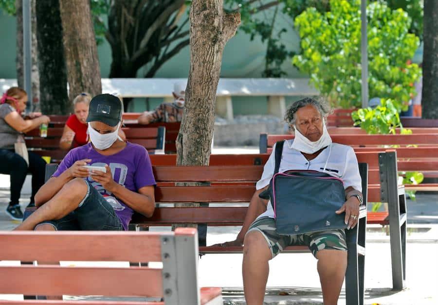 Cuba registra 46 nuevos casos de COVID-19 y la primera muerte en una semana