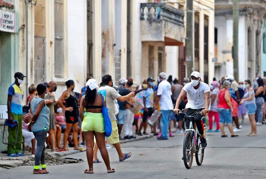 Cuba suma otros 56 casos de COVID-19, la mayoría en La Habana