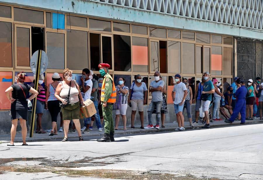 El colero, nuevo enemigo del pueblo cubano