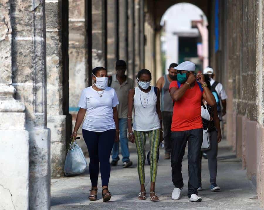 Cuba cierra una semana marcada por el repunte de la COVID-19