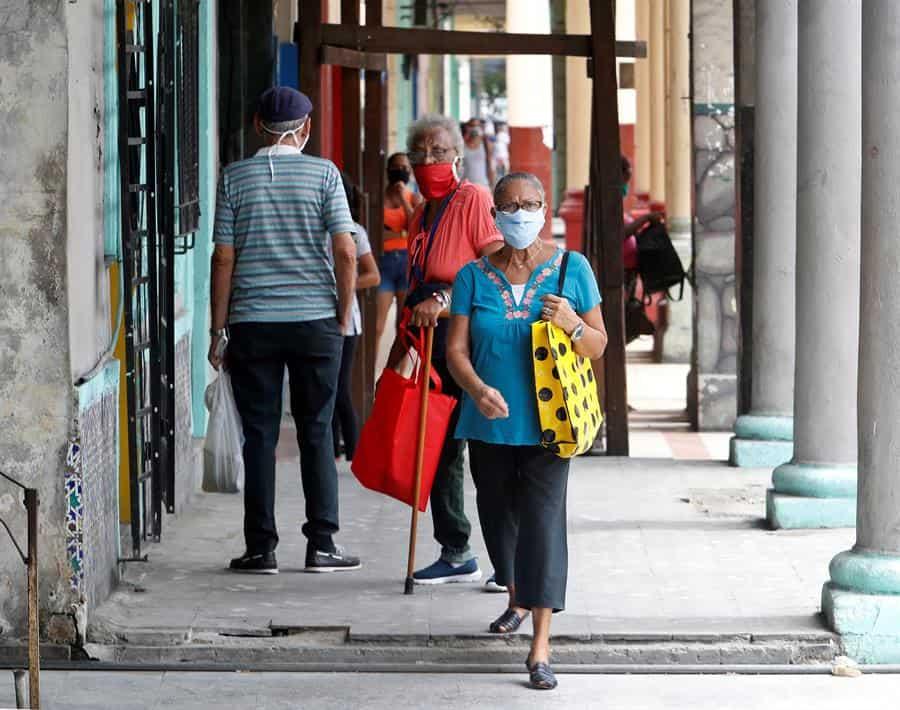 Cuba suma 52 casos de COVID-19 y eleva a 677 los pacientes activos
