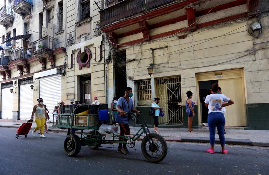 Cuba eleva en 82 la cifra de nuevos casos de COVID-19