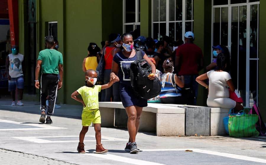 Cuba acumula cien muertes por COVID-19