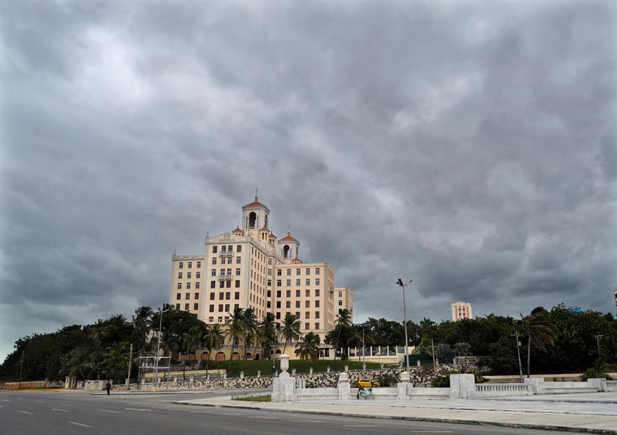 Cuba activa la alarma ciclónica en su zona oeste ante la proximidad de Delta