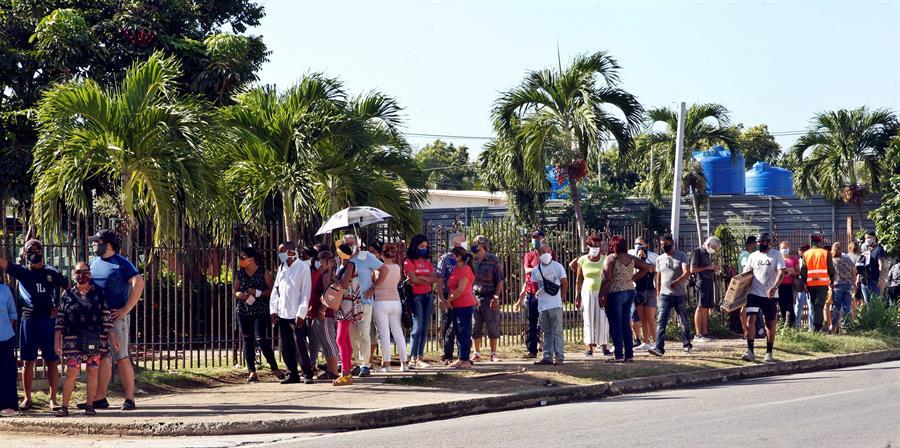 Cuba suma otros 50 contagios de covid-19 y termina la semana con repunte