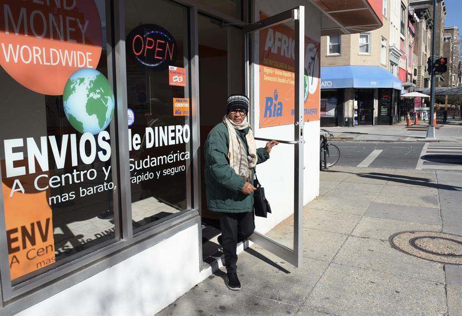 EE.UU. prohíbe el envío de remesas a Cuba a través de empresas con lazos militares