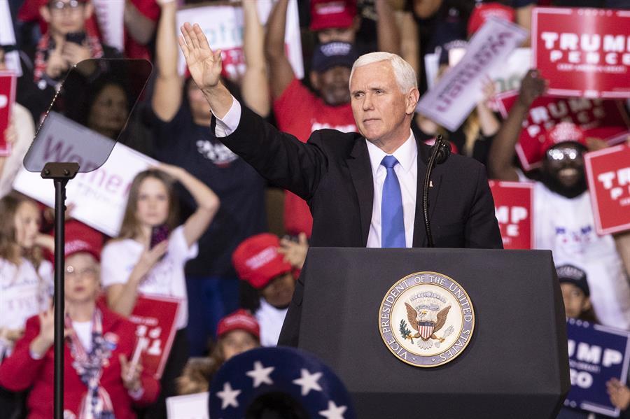 Mike Pence corteja el voto de los latinos en Orlando