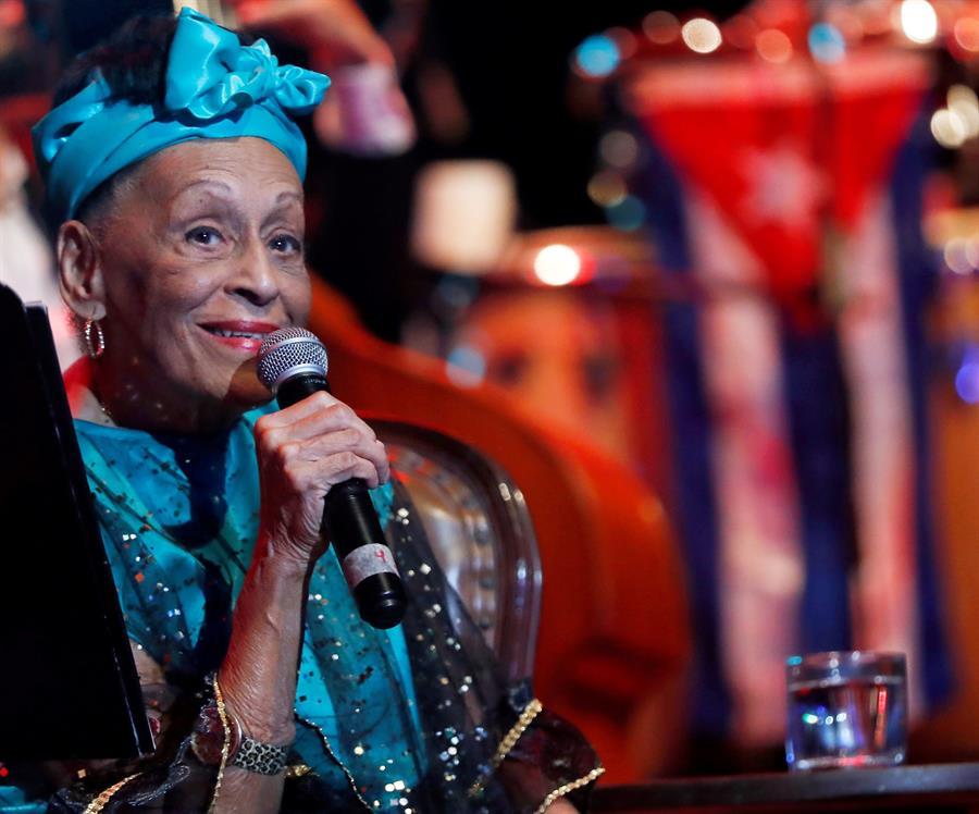 Omara Portuondo celebra 90 años desde el escenario