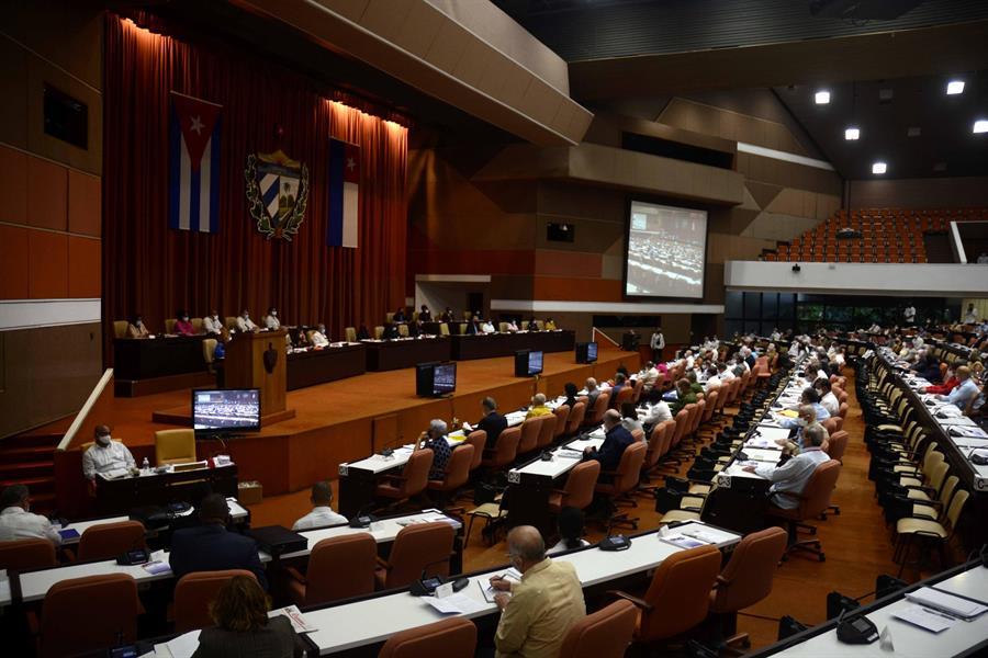 Parlamento cubano celebra su primer pleno desde el inicio de la pandemia