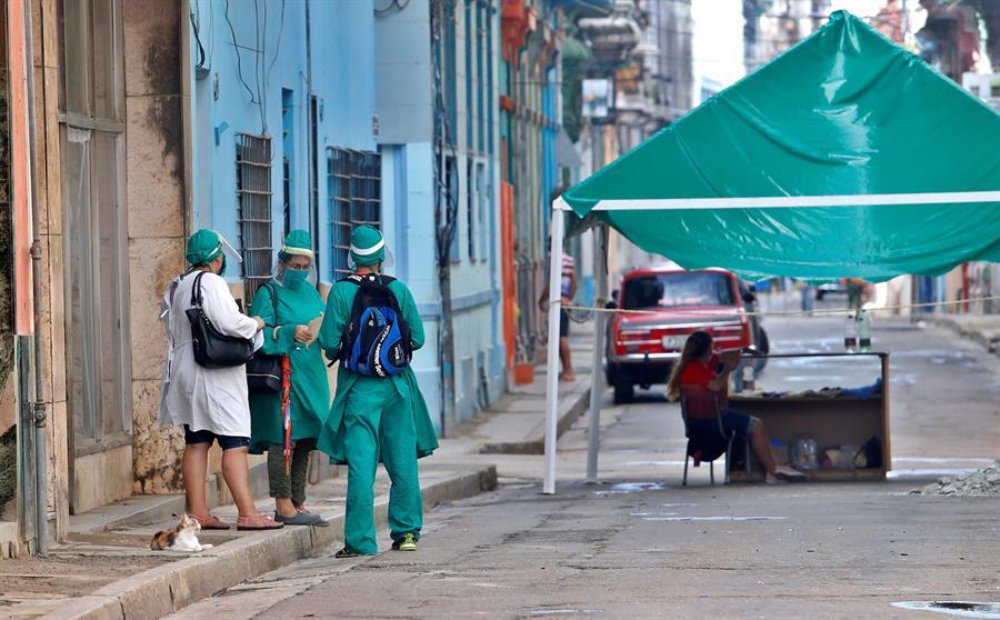 Casos activos de COVID-19 siguen bajando en Cuba