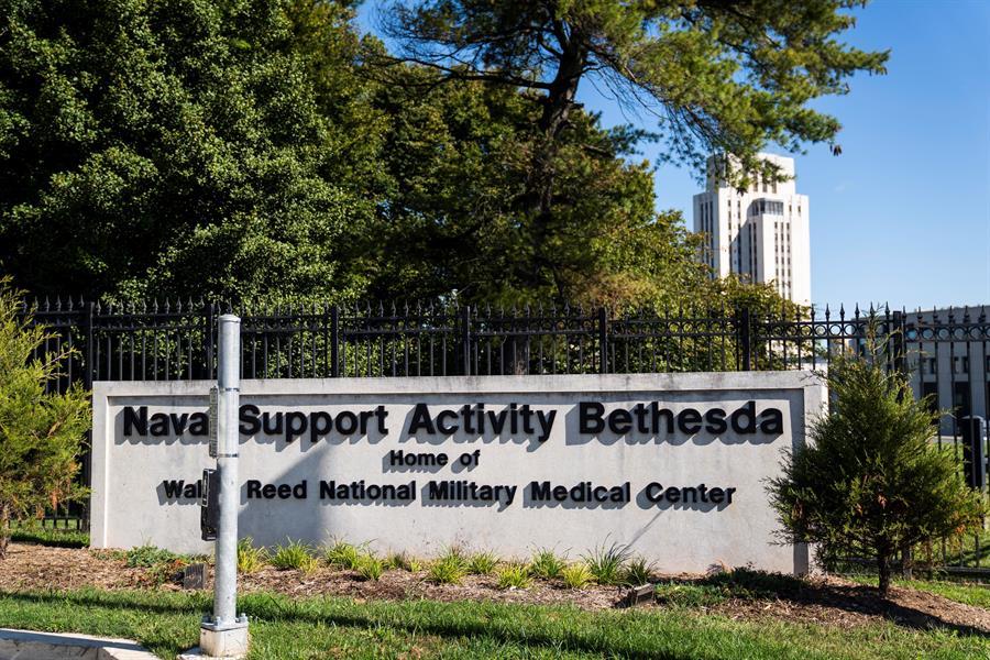 Trump hospitalizado horas después de su diagnóstico de COVID-19