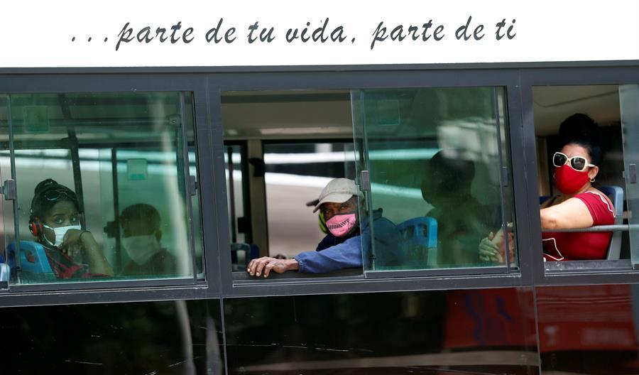 Cuba suma 39 casos de covid-19 mientras espera el inminente paso de la tormenta Eta