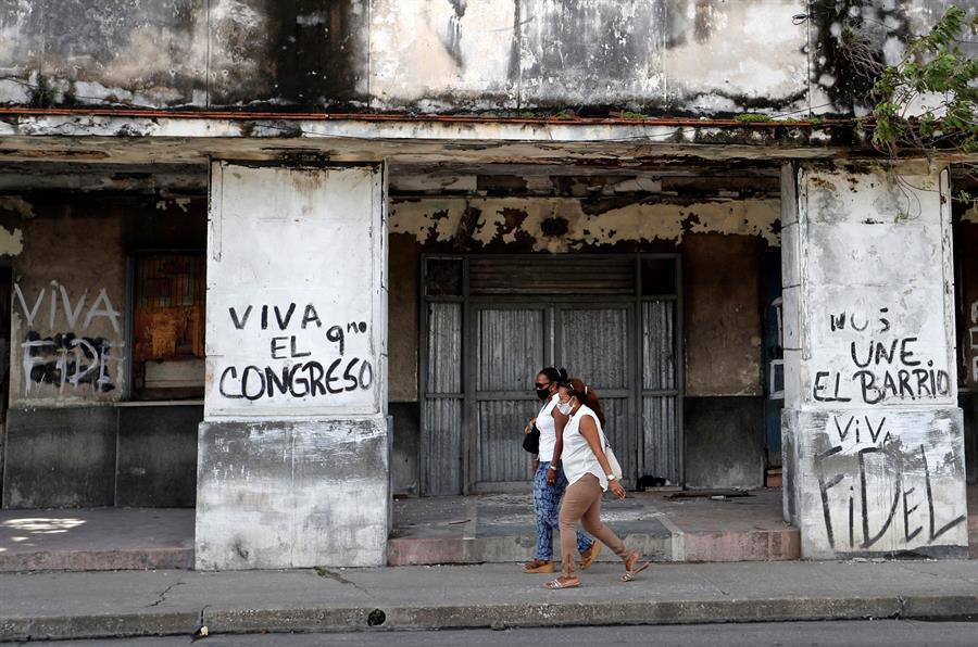 Cuba confirma 30 nuevos contagios de covid-19 en medio del azote de Eta