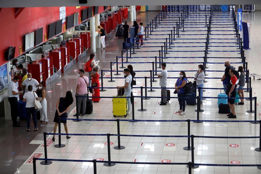 El aeropuerto de La Habana reabre tras 8 meses cerrado por la pandemia