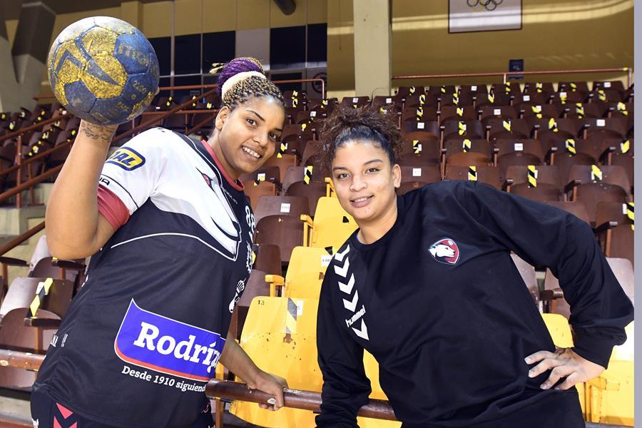 Mora y Márquez guían la llegada de jugadoras cubanas a Europa