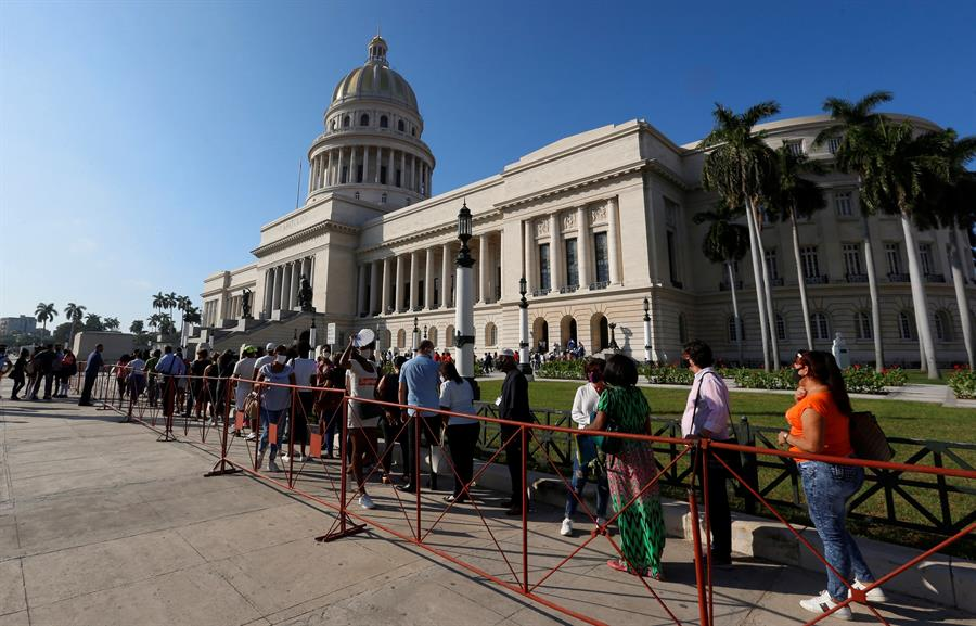 Emotiva despedida al historiador Eusebio Leal en el Capitolio de La Habana