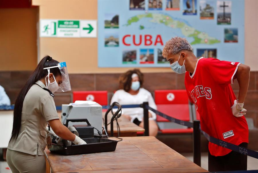Cuba mantiene la incidencia de los casos importados de COVID-19