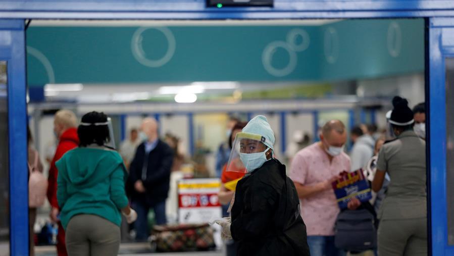 Cuba reporta otros 69 casos de covid-19, la mayoría importados