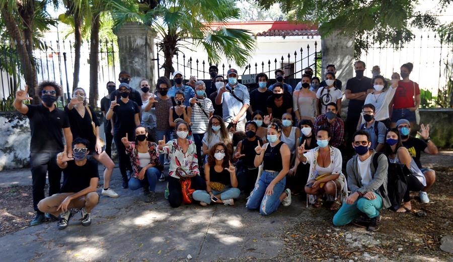 Cuba rompe el diálogo con los artistas y les acusa de mercenarios de EE.UU.
