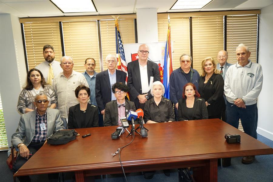 Exiliados reclaman liberación de cinco presos políticos en Cuba