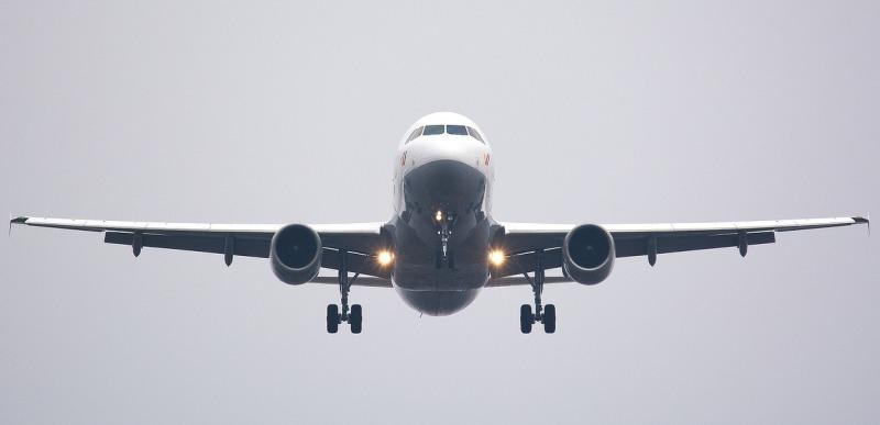 Cuba reducirá vuelos con seis países desde enero por el aumento de casos importados de covid