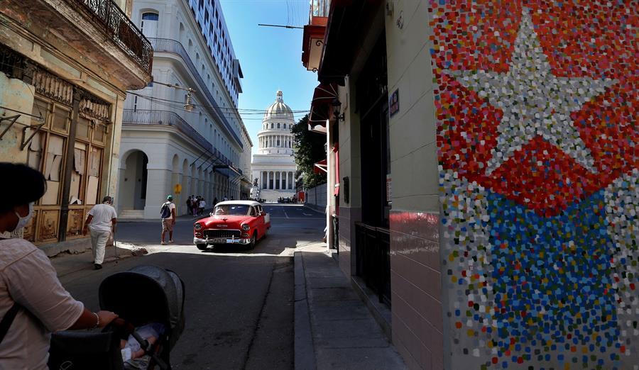 Cuba vuelve a superar el centenar de contagios de la covid-19 en un día