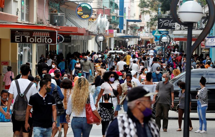 Cuba rompe su récord de casos por segundo día y decretan retroceso de la desescalada