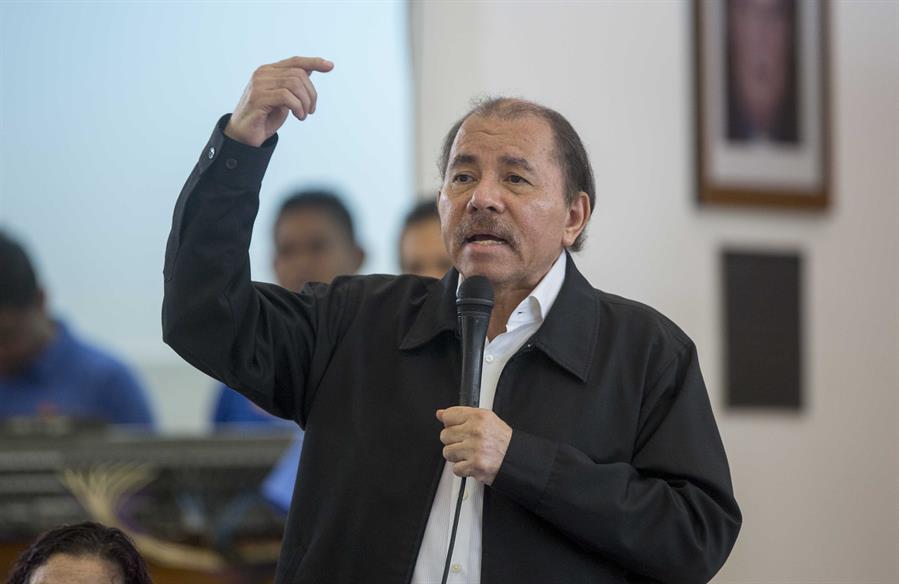 Ortega saluda a Cuba por aniversario de la Revolución